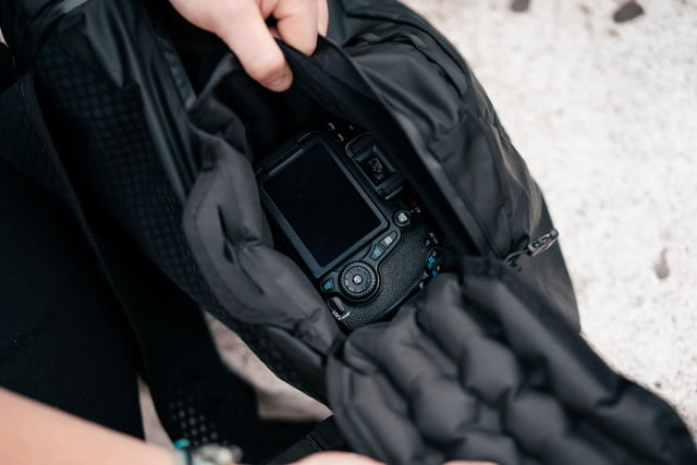 wandrd veer inflatable camera bag kickstarter 1
